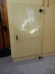 kleine Tür aus stabilem Glas