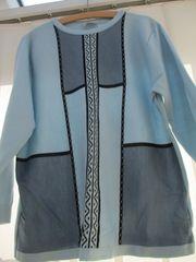 Pullover in Blautönen