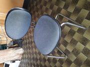 Stabile Stühle mit Chromgestell