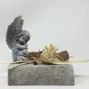 Grabgestecke mit Engel Figur und