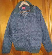 Verkaufe eine Graue Jacke mit