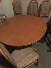 Verkaufe einen runden Tisch auch
