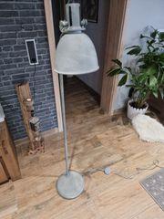 Industrie Style Stehlampe in Betonoptik