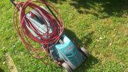 Elektrischer Rasenmäher Gartenstühle sowie div