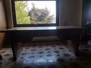 Schreibtisch groß und breit Holz