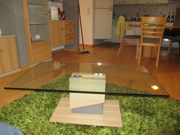 Eleganter Couchtisch Glastisch mit Holzfuß