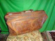 Antike Rindsleder-Reisetasche