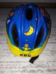 Fahrradhelm für Kinder mit hinter