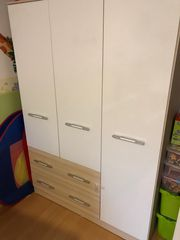 Komplettes Kinderzimmer günstig zu verkaufen