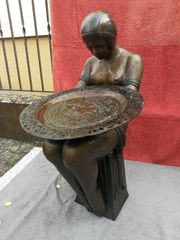 Frauen bronze in ArtDeco Stil
