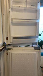 Einbaukühlschrank und Gefrierschrank
