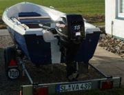 Angelboot mit Motor und Trailer