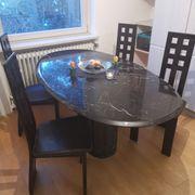Marmortisch mit 6 Stühlen