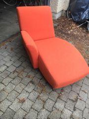 Schöne Chaiselongue Recamiere orange