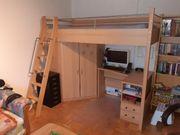 Kinderhochbett mit Schreibtisch und Eckkleiderschrank