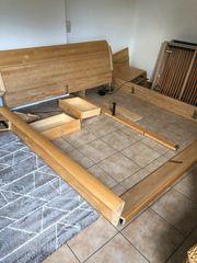 Schlafzimmerbett inkl Lattenroste zu verschenken
