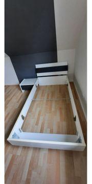 Bett 100x200cm mit Nachtschrank und