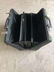 Alte schwarze Akten Bürokoffer Taschen
