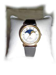 Armbanduhr von Continental mit Mondphase