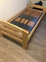 Bett mit Lattenrost-NEU