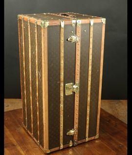 Taschen, Koffer, Accessoires - Suche Louis Vuitton Truhe