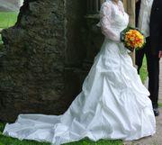 Hochzeitskleid der Marke Très Chic