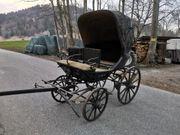 Alte Kutsche aus Holz mit