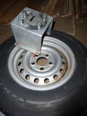 Ersatzradhalterung mit Rad für PKW-Anhänger