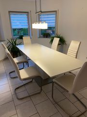 Ausziehbarer Esstisch für 6-8 Personen