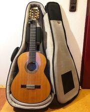 Klangschöne Spanische Gitarre mit Tasche
