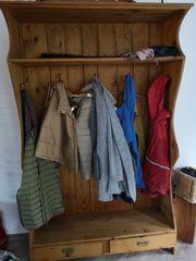 Alte garderobe