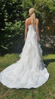 Traumhaftes Hochzeitskleid mit Schleppe Gr