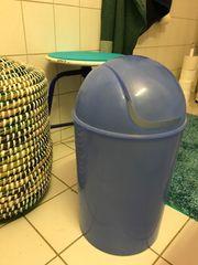 Schwingdeckel-Eimer Kunststoff blau transparent