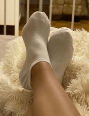 Getragene Socken Fußbilder