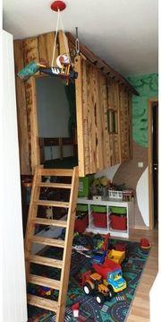 Baumhaus für ein Kinderzimmer