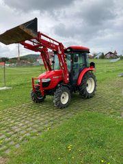 Traktor Branson 5825C Kundendienst neu