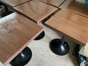 9 Tische Cafe Braun Schwarz