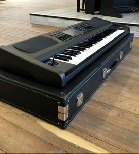 Keyboards - Ketron SD 7 inkl Case -