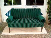 Altes Antikes Sofa neu restauriert
