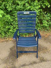 EIN Acamp Gartenstuhl mit verstellbarer