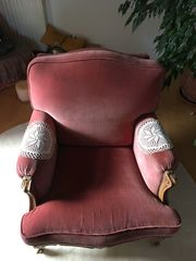 Roter Sessel zu verschenken