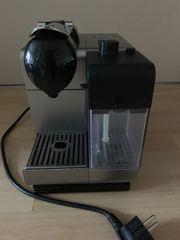 DeLonghi Nespresso Kaffeemaschine schwarz