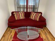 Couch mit Bettfunktion Glastisch