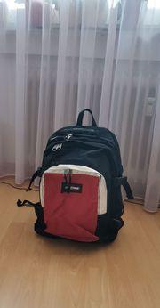 Schulrucksack EASTPAK mit Laptopfach 38