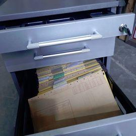 Bild 4 - Büroschrank und Rollcontainer - Sandhausen