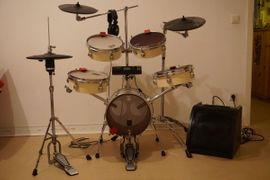Bild 4 - Rhythmisches Schlagzeug aufgerüstet zu elektrisch - Karlsruhe Nordstadt