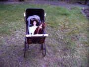 Alter Puppenwagen aus den 40er