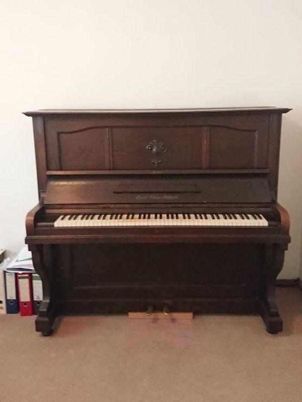 altes Klavier ca 100 Jahre
