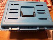 Blaue Transportbox für Katzen zvk