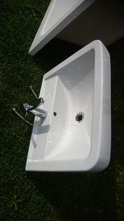 Waschtisch inklusive Armatur